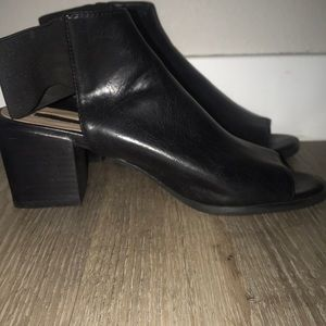 Leather Open back and toe shoes